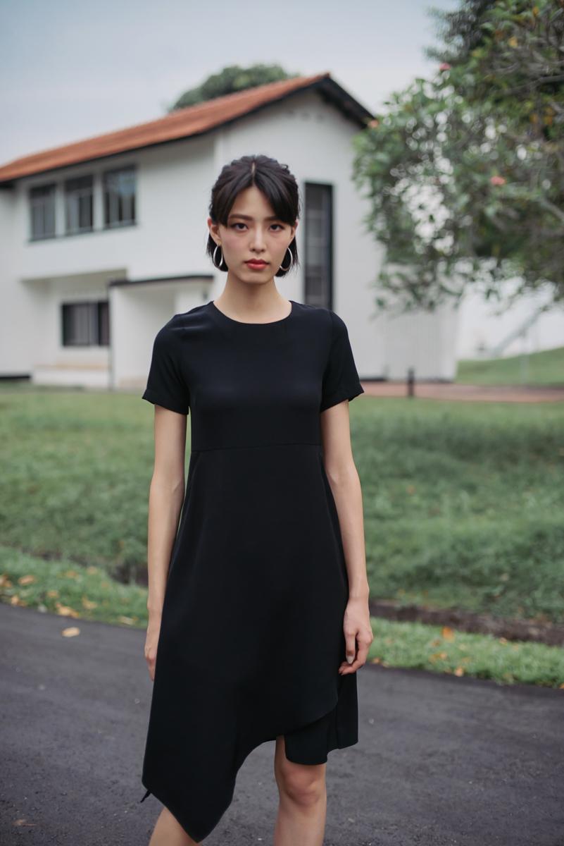 539d45640090 Asymmetric Pocket Dress (Black)